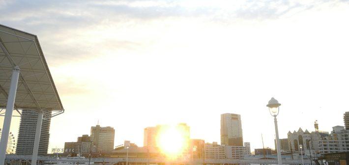 メリケンパークから見た、日の出。(のような夕日。)